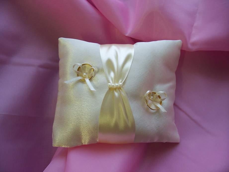 esküvői gyűrűpárna 5B