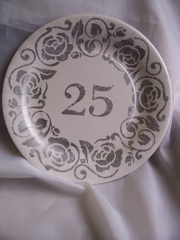 """""""25"""" évszámos tányér (23 cm)"""