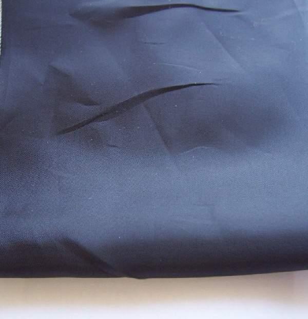 fekete selyem dekoranyag  150 cm széles (méterre)
