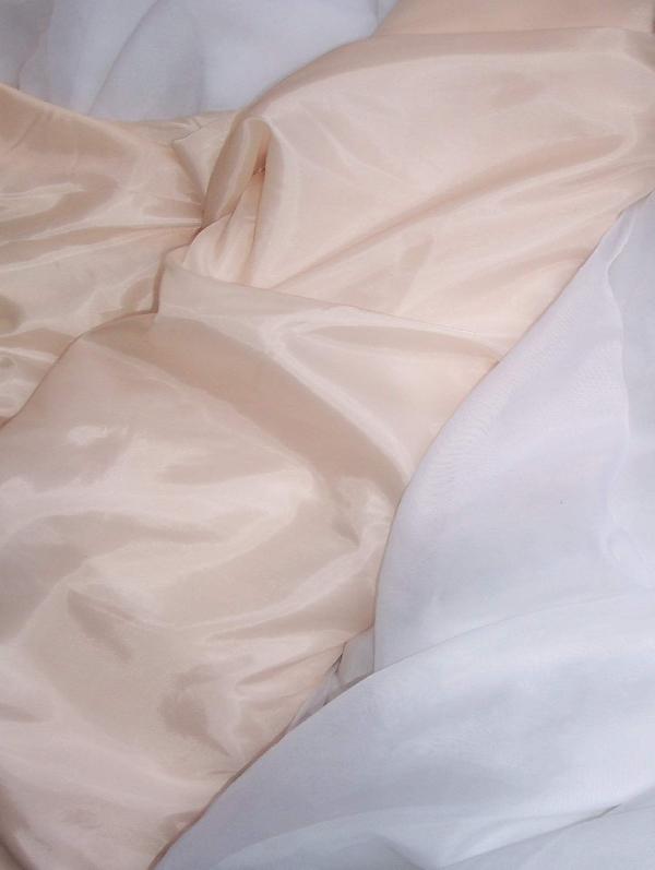 pezsgő  selyem dekoranyag  150 cm széles (méterre)