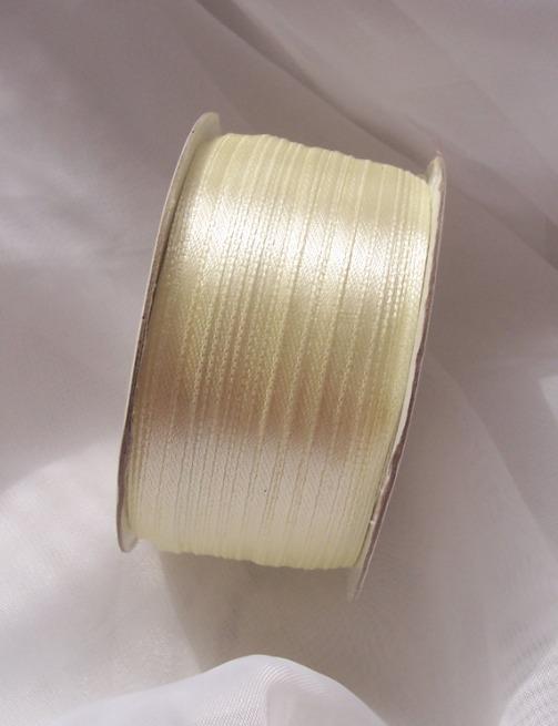 0,3 cm szatén szalag krém ( 50 m)- 079