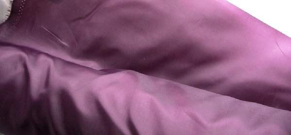padlizsánlila selyem dekoranyag 150 cm széles (méterre)