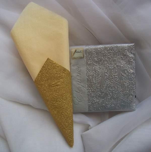 ezüst dombornyomott  desszert szalvéta (15 db) AMB