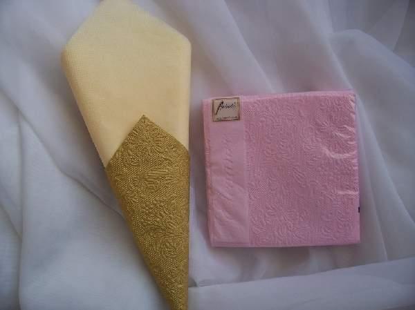rózsaszín dombornyomott  desszert szalvéta (15 db)
