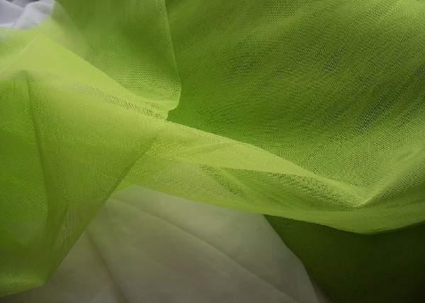világoszöld tüll dekoranyag (1,5 m széles)
