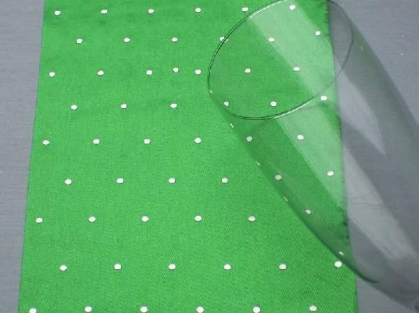 Szatén futó, gyémántos (12 cm  4,5 m) mezőzöld