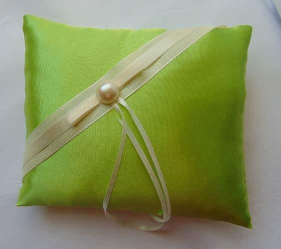 esküvői gyűrűpárna,  élénkzöld selyem (18*20 cm)