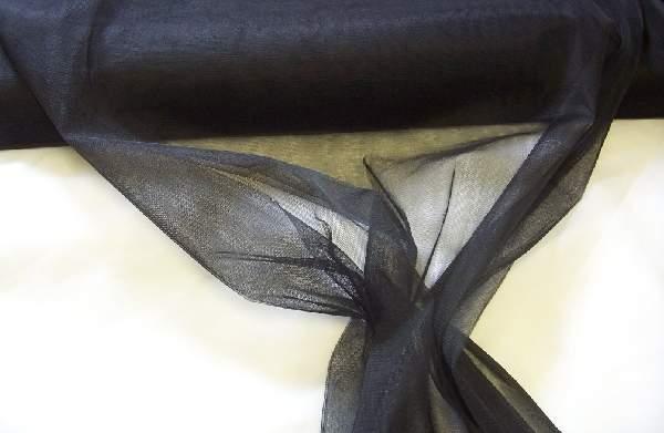 fekete tüll dekoranyag (1,5 m széles)