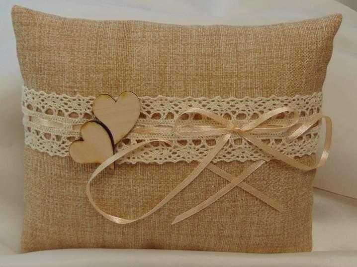 vintage esküvői gyűrűpárna,(18x15 cm) dupla szívvel - </b>JELENLEG NINCS KÉSZLETEN !
