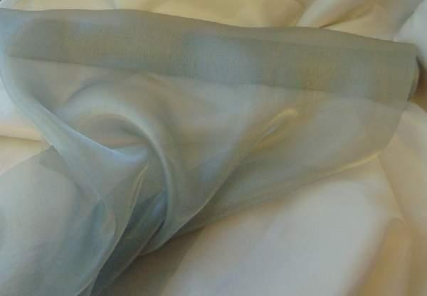 Szatén-organza (47 cm * 10 m) ezüst