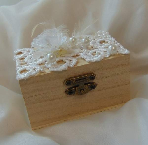 vintage esküvői gyűrűtartó dobozka, csipkés-(9*6*5 cm)