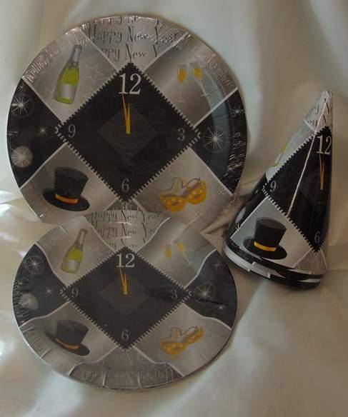 szilveszteri papír tányér, ezüst , 18 cm-s, (6 db)