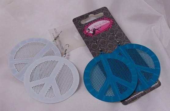 hippie fülbevaló (fehér vagy kék színben)