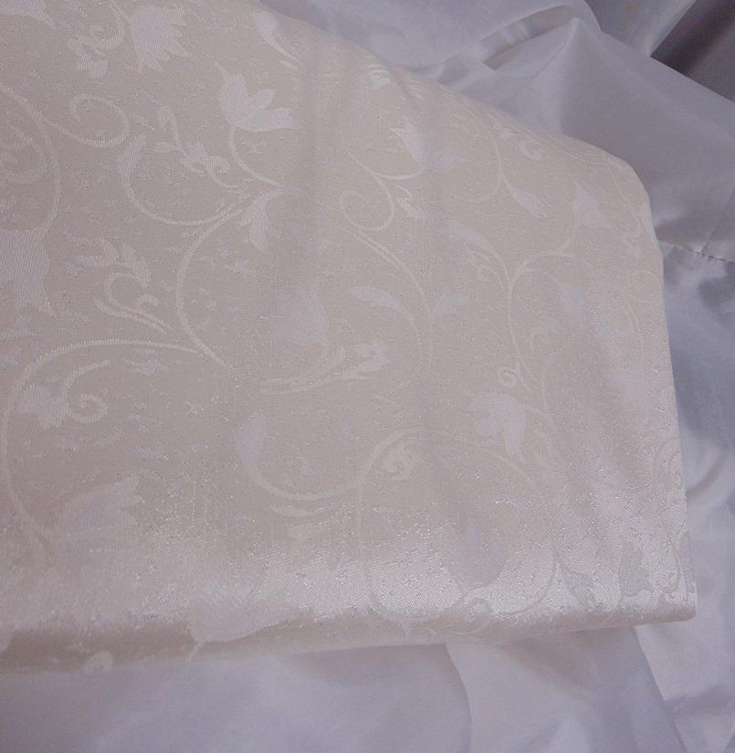 Brokát selyem anyag, krém (150 cm széles)