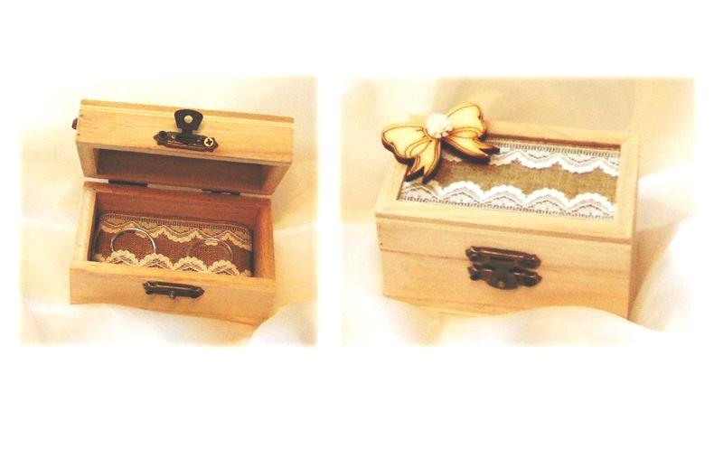 vintage esküvői gyűrűtartó dobozka (9*5*5 cm), masnis