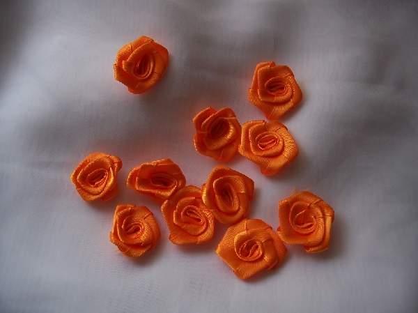 szatén rózsafej 2,5 cm-es (50 db) narancs