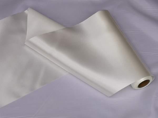 szatén selyem asztali futó (23 cm * 10 m) ekrü
