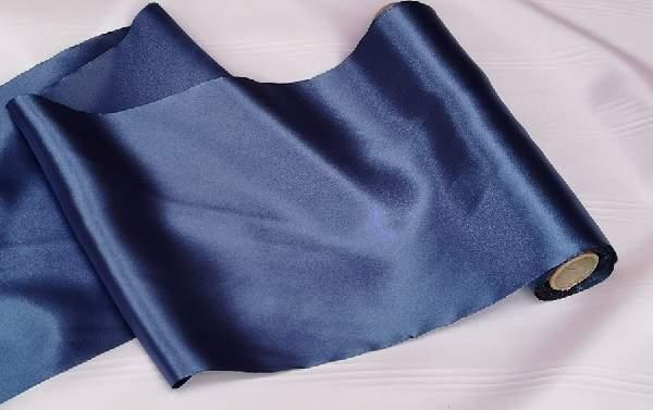 szatén selyem asztali futó (23 cm * 10 m) sötétkék